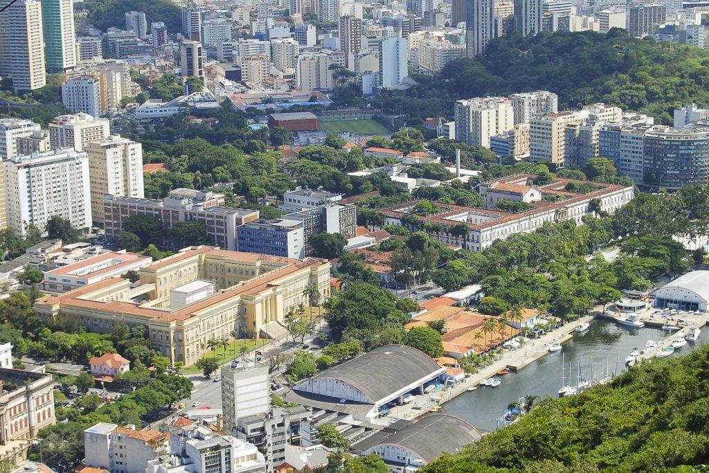 Uliving - Universidade Federal do Rio de Janeiro (UFRJ) - Melhores Universidades da América Latina