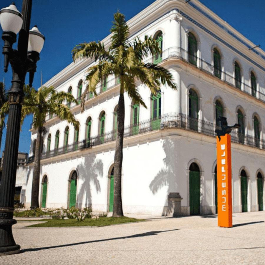 Moradia estudantil Uliving próxima ao museu Pelé