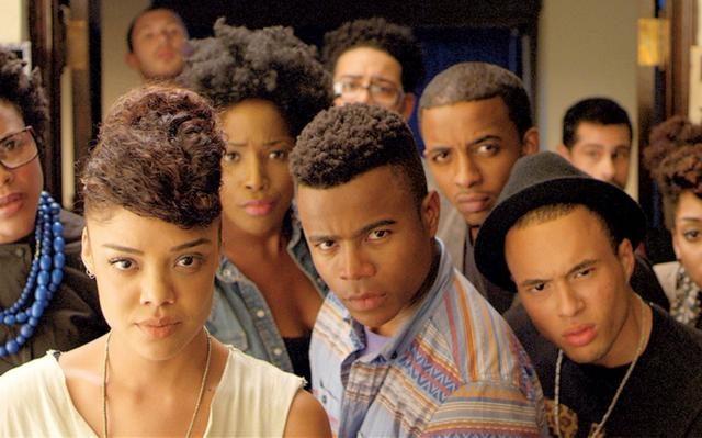 Cara Gente Branca (2014) discute sobre racismo dentro das universidades   Foto: Reprodução